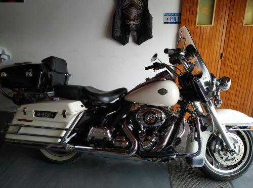 Harley Davidson FLHTC 2011 Occasion